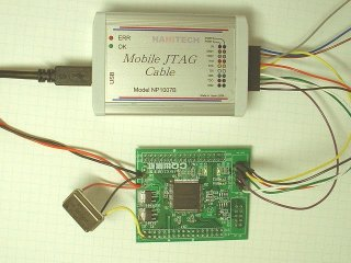 Cyclone基板とMobile JTAG Cableを接続
